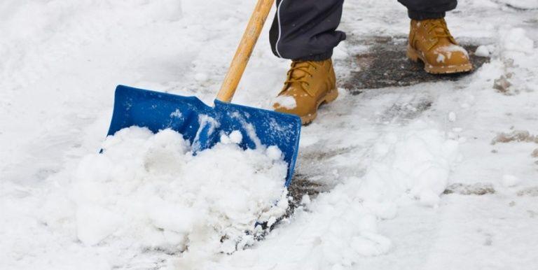 чистим чистка расчищаем от снега услуга заказать кобрин чисто